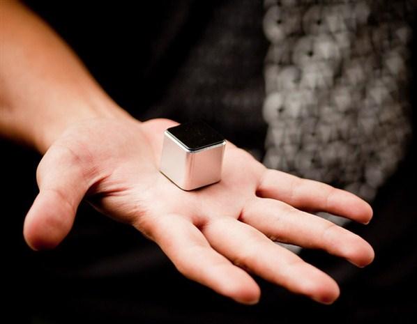 أكبر وأصغر الأجهزة في العالم 584605
