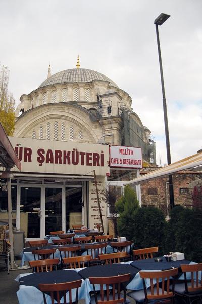 اسطنبول مدينة عصرية جميلة