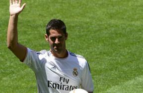 ريال مدريد يقدم نجمه الجديد إيسكو