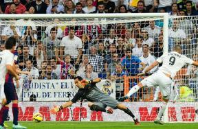 الشوط الثانى لمباراة ريال مدريد وبرشلونة