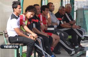 عمرو جمال يحضر مران الأهلى بعكازين