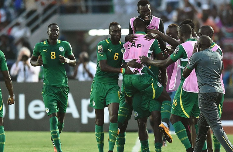 لاعبى السنغال يحتفلوا بالفوز على غانا