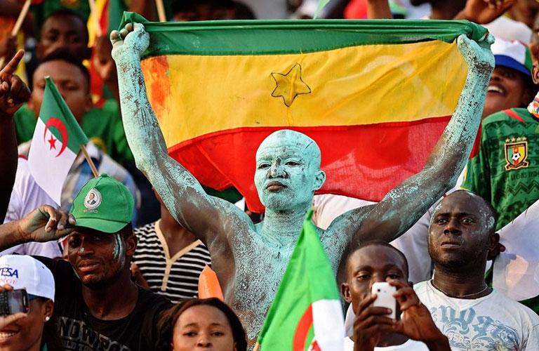 تقاليع افريقية فى المباراة