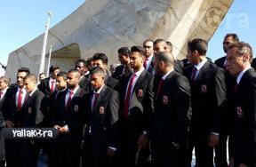 زيارة الاهلي لمقام الشهيد بالجزائر