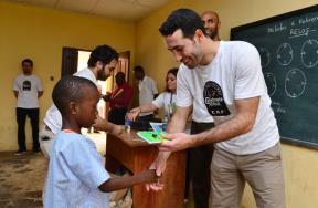 أبوتريكة وكانوتيه في مهمة خيرية بأفريقيا