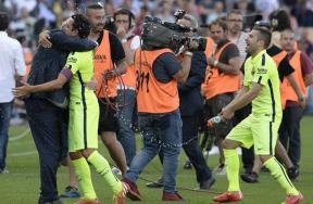 فرحة لاعبو برشلونة بالفوز بالليجا