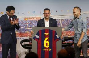 برشلونة يودع تشافي فى مؤتمر صحفي