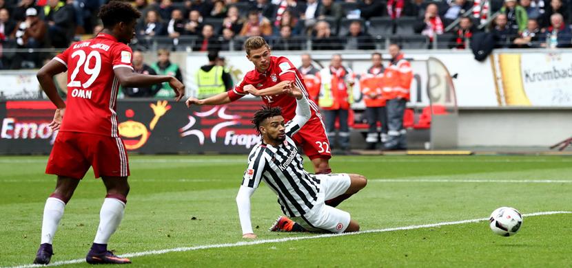 لقطة لجوشوا كيميش فى المباراة