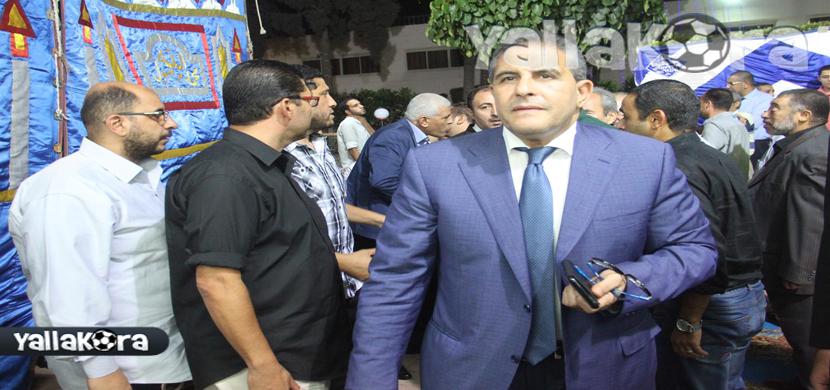 طاهر ابو زيد فى عزاء احمد ماهر