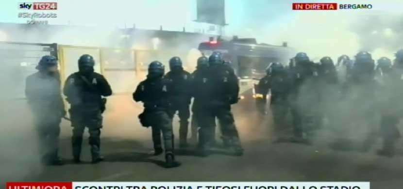 اشتباكات الجماهير مع الأمن بعد لقاء اتالانتا وروما