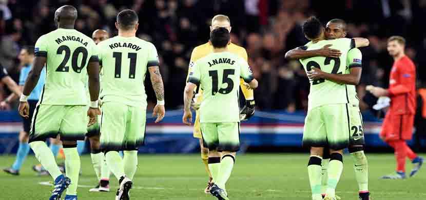 احتفال لاعبو مانشستر سيتى فى المباراة