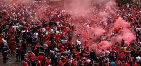 جماهير ليفربول قبل نهائى الدوري الأوروبي