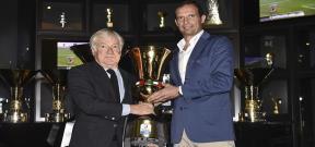 اليجري يضع كأس ايطاليا الـ 11 في متحف يوفنتوس