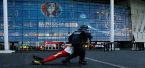 شرطة فرنسا تتدرب على مواجهة الارهاب قبل اليورو