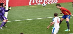 مباراة اسبانيا والتشيك