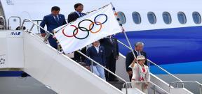 وصول علم الاولمبياد الى طوكيو باليابان