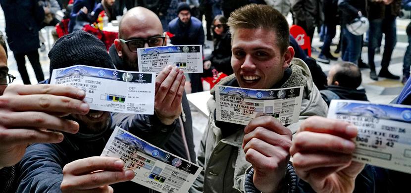 تكدس علي منافذ بيع تذاكر لقاء ريال مدريد ونابولي