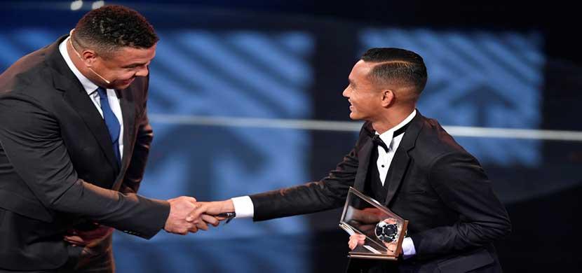 فاز الماليزي محمد فايز صبري بجائزة أفضل هدف