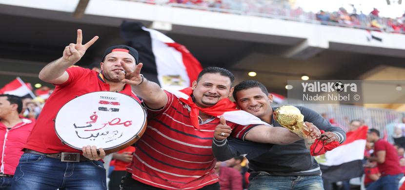 اجواء الجماهير في ملعب برج العرب