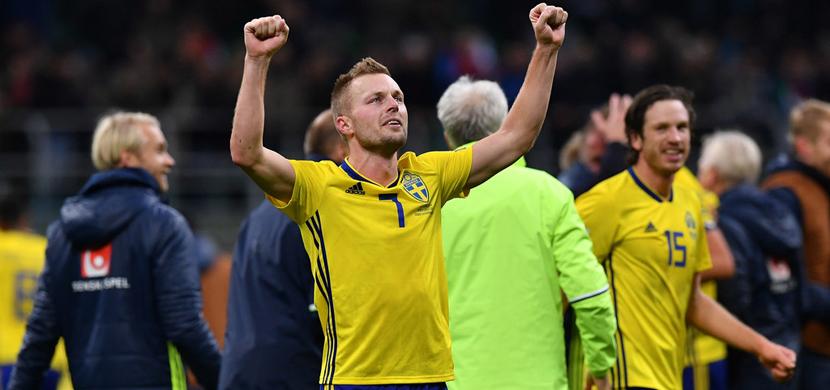 احتفال لاعبي السويد