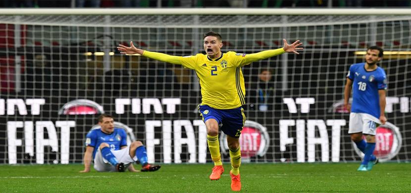 احتفال لاعب السويد