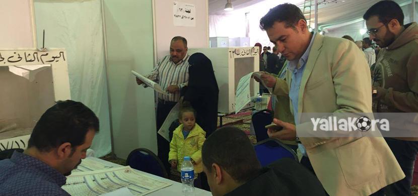 خالد جلال يدلي بصوته في انتخابات الزمالك