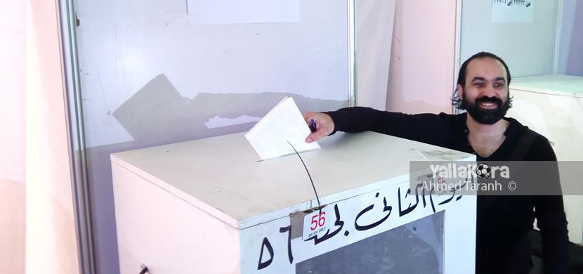 جمال حمزه يدلي بصوته في انتخابات الزمالك