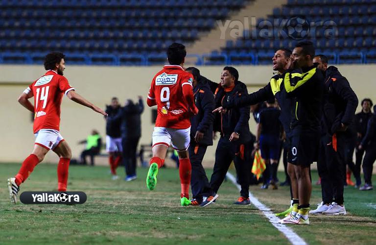 فرحة لاعبي الأهلي بهدف عمرو جمال