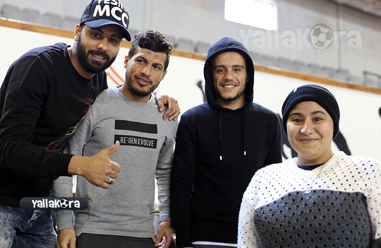 لاعبي الزمالك مع المشجعة الزملكاوية زهرة