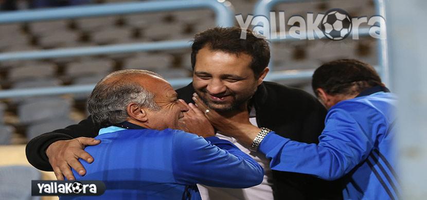 محمد صلاح يصافح احمد مرتضي