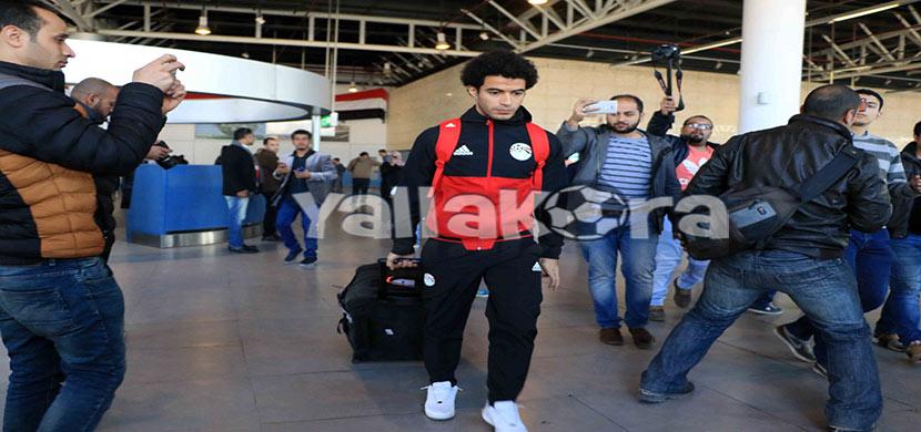 عمر جابر بمطار القاهرة