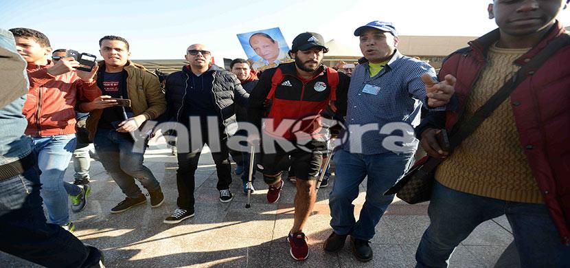استقبال لمروان محسن بالمطار