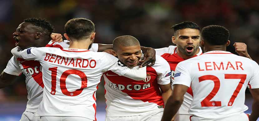 احتفال لاعبي موناكو فى المباراة