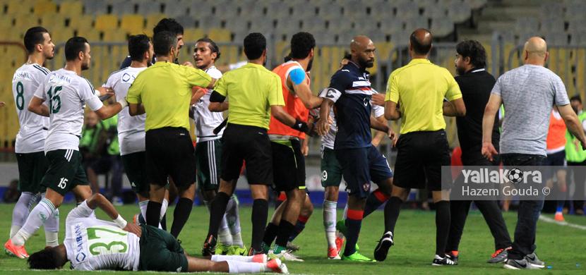 مشادة بين لاعبي الزمالك ولاعبي المصري