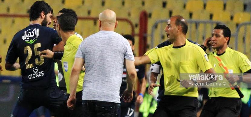 مشادة لاعب المصري مع علي جبر