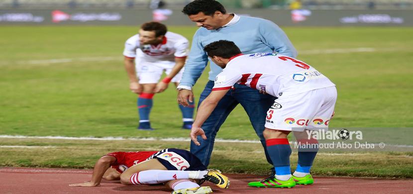 جلال وطارق حامد يطمئنان على لاعب النصر