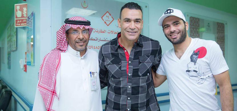 زيارة الحضرى ومتعب لمستشفي الأطفال بالسعودية