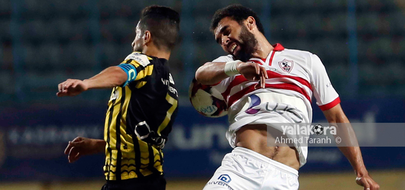 لقطة لمحمود عبد العزيز فى المباراة