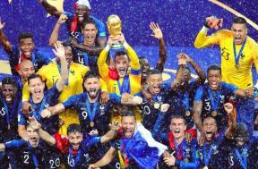 تتويج فرنسا بكأس العالم 2018