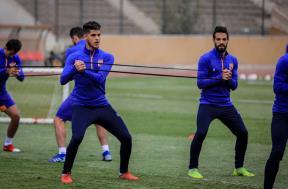 مران لاعبي الأهلي استعدادا لمباراة القمة
