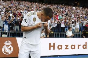 تقديم ريال مدريد لهازارد واستقبال الجماهير له