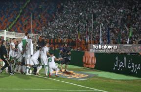 احتفال لاعبي الجزائر بعد الفوز بنهائي إفريقيا