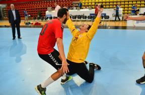 احتفال لاعبي مصر بعد الفوز بمونديال اليد