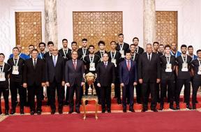 تكريم الرئيس السيسي لمنتخب اليد للناشئين