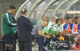 دردشة ابراهيم حسن على الموبايل فى مباراة الداخلية
