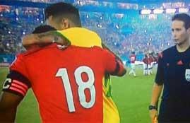 زونيجا يعتذر لنيمار خلال لقاء البرازيل وكولومبيا