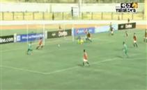 فرصة هدف ضائع للجزائر أمام مصر