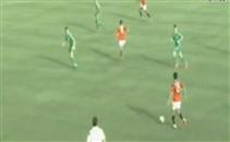 سالم يضيع فرصة لا تضيع امام الجزائر
