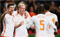 هدفا هولندا في اسبانيا