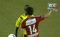 خناقة لاعبي الاهلي مع حكم المغرب التطواني